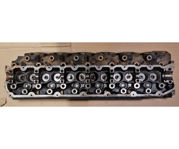What are the Main Symptoms of Cylinder Head Problems?